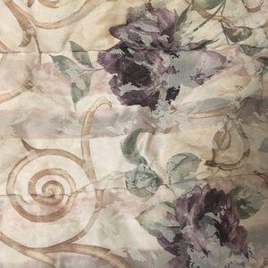 Croscill home fashions queen comforter
